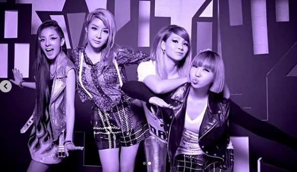 2NE1 10周年合体!终于唱《GOODBYE》 难过望Minzy:那时妳不在 - ETtoday 新闻云 -d4102626