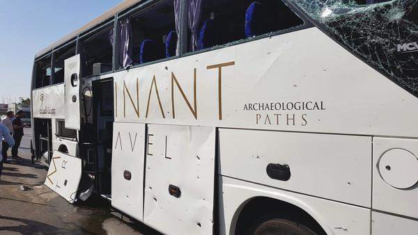 快讯 埃及观光巴士遇 爆炸攻击 至少16人伤多为外国客图片 65887 600x338