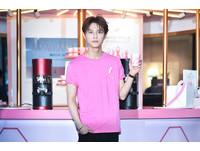 ▲▼王子出席雅詩蘭黛集團2019粉紅絲帶公益咖啡廳一日店長。(圖/記者張一中攝)
