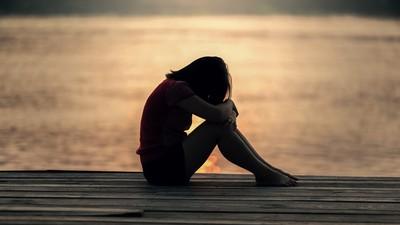 過度關心反而是壓力!跟憂鬱患者相處 請把他們當「正常人」對待