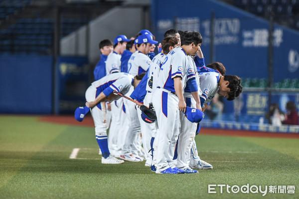 ▲12強棒球賽複賽,中華隊陳鴻文登板關門,韓國隊以0:7輸球。(圖/記者林敬旻攝)
