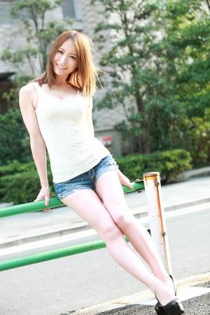 櫻花妹的大腿,是深夜最好的強心劑