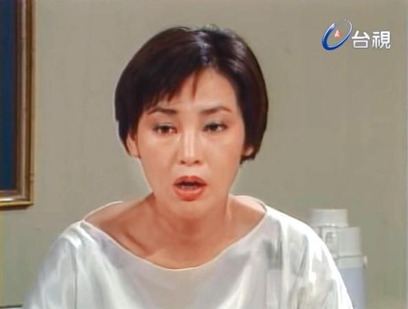 許瑋甯婆婆驚人美貌曝光!起底資深美女明星身分 獻裸背作畫14年拍50部作品