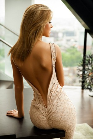擁有美背的女孩,真該給她們拍拍手