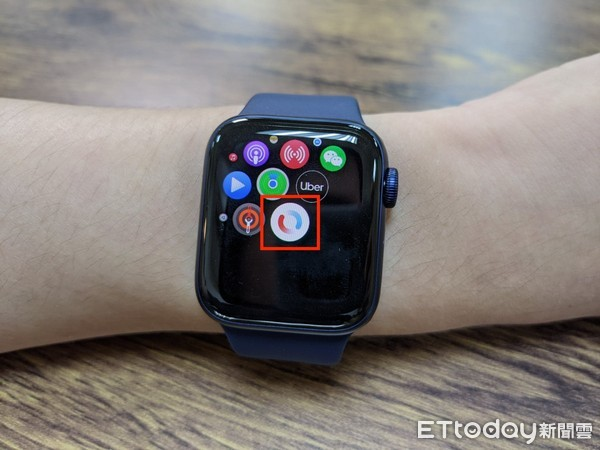 ▲▼Apple Watch Series 6,Apple Watch SE。(圖/記者邱倢芯攝)