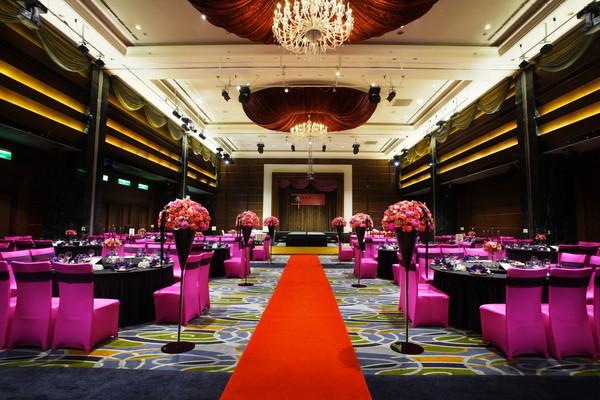 维多丽亚酒店豪华婚宴 打造凯特王妃英式庭园