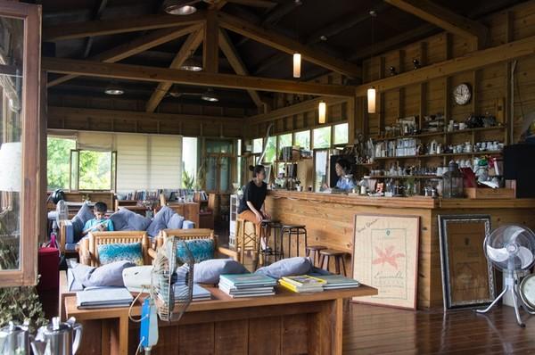 看海吹風的日子!機密基地般的海水特性咖啡廳3選