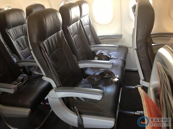 飞机经济舱的宽度多寡是乘座舒度的重要因素