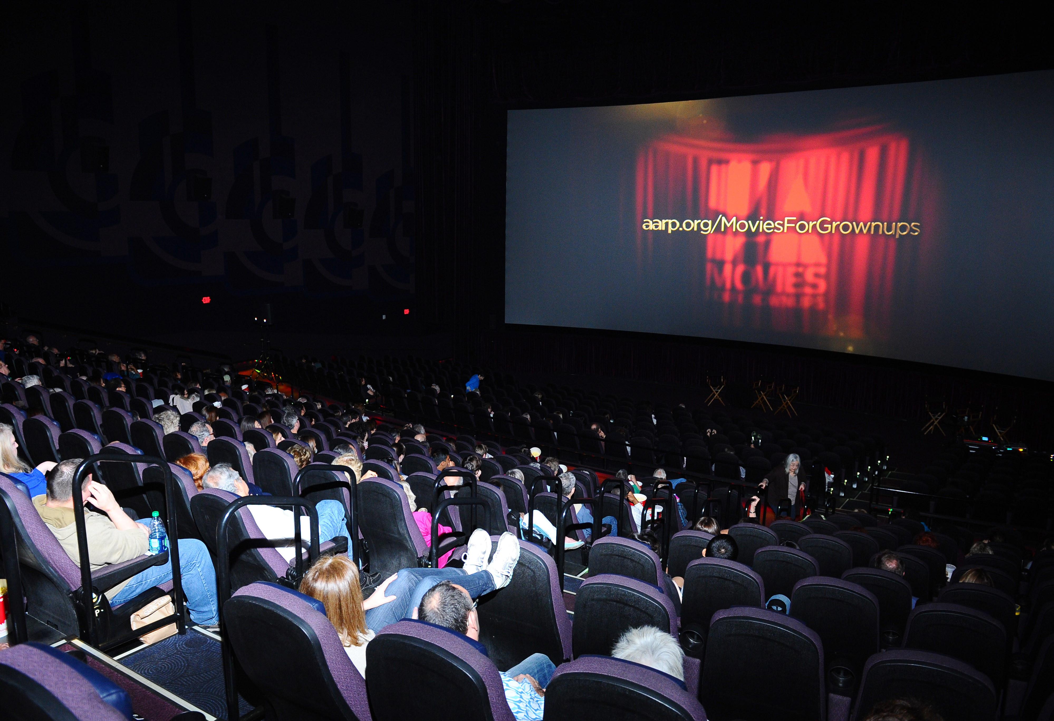 「一个人吃饭看电影错了吗」 台北独立妹:老被店员当异类