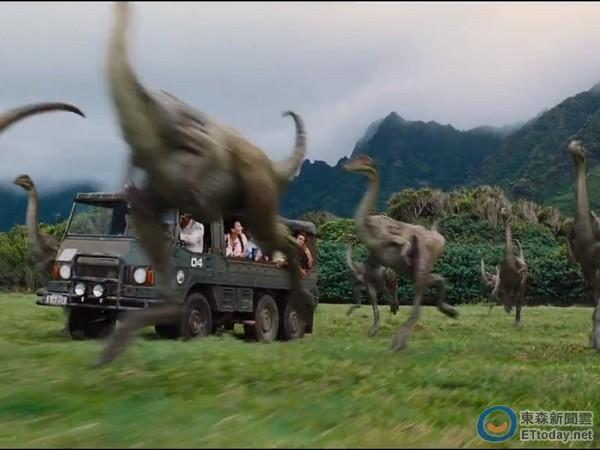 睽违14年!《侏罗纪公园》预告曝光 恐龙公园重新开张