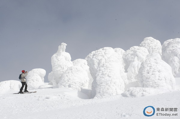 搭上探访雪怪的藏王缆车 看遍世界无尽之白