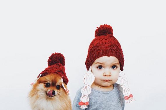 我们是世上最可爱的拍档!俄罗斯小萝莉与博美的超萌照