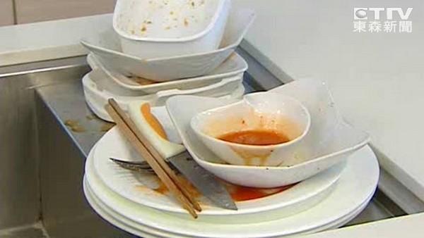 婆家一堆碗等著她… 老公霸氣回覆:妳又沒吃幹嘛洗?