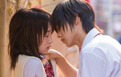 女生最喜歡在什麼情境接吻?原來「蠻橫硬親」最讓她們動心
