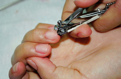 日本不可思議迷信:夜晚剪指甲會早死