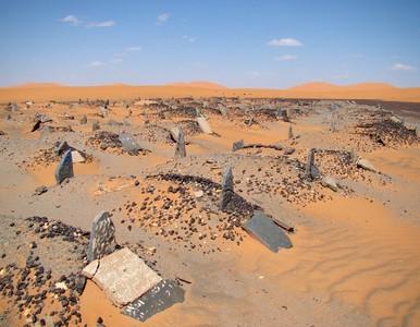 撒哈拉沙漠裡的墓園,長眠在那不熱嗎