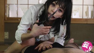 裂嘴女AV扒褲口襲,說她不漂亮就咬你
