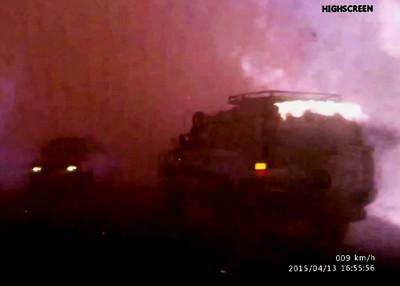 南俄羅斯野火肆虐,強風助燃路樹噴火