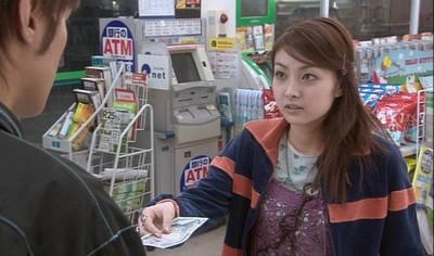 店員找錢方式,3個動作讓顧客揪甘心