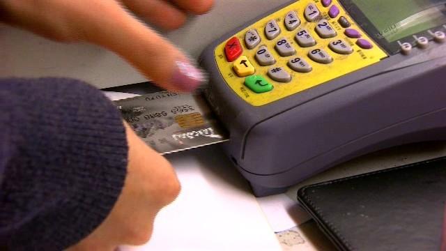 出國消費該刷卡還是付現? 部落客3點專業結論