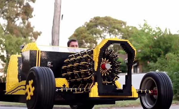 50萬積木組成「樂高汽車」 最高時速30公里不耗油電