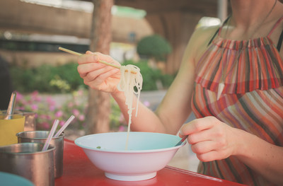 減肥新招! 研究:「一個人吃飯」容易瘦...邊緣人94狂