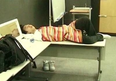 睡意佔領中!圖解韓星到哪都超好眠~