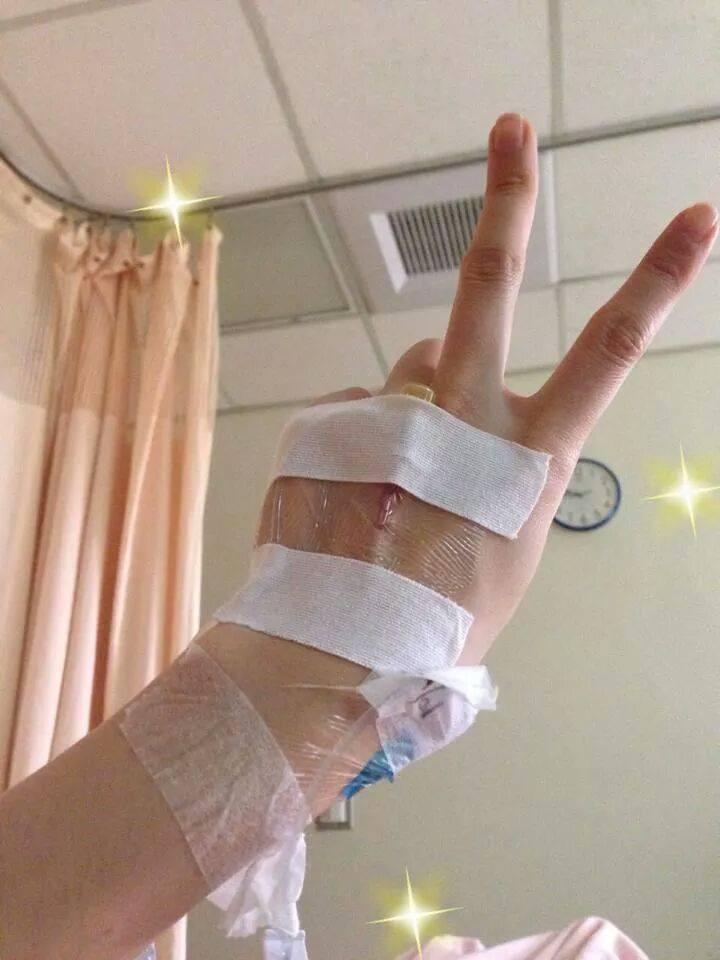 ▼余苑綺罹患直腸癌以來,用樂觀正面的心態面對艱苦的療程,終於健康重生了!(圖/取自余苑綺臉書)