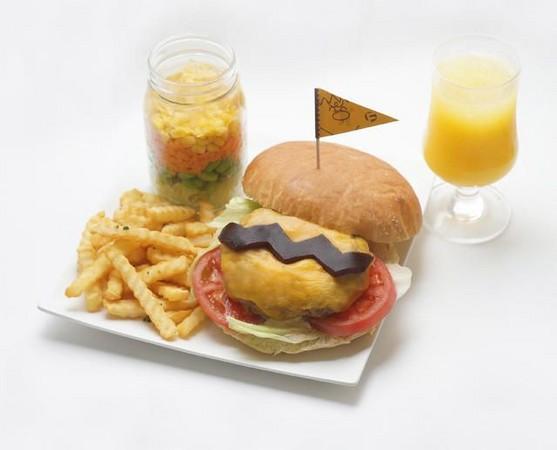 """它提供了""""巨人博覽會2015"""",""""巨人漢堡""""。 (C)藤子-PRO"""