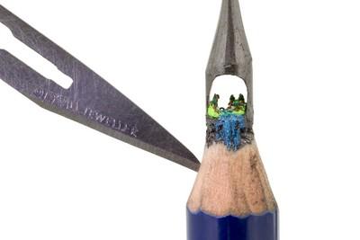 千萬別拿來寫!史上最小的村莊就在這支筆上