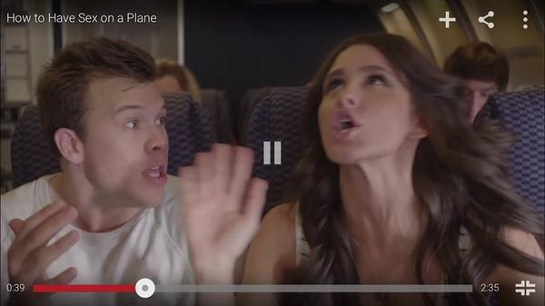 飛機上突然想嘿咻怎麼辦? 「情侶」拍片示範給你看