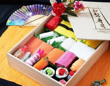 乍看是壽司禮盒 把料翻開卻大有玄機