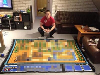 太愛瑪莉歐..他花六年編出巨大地圖毯