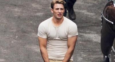 別被緊身衣騙了 美國隊長穿T恤才能發揮120%魅力❤