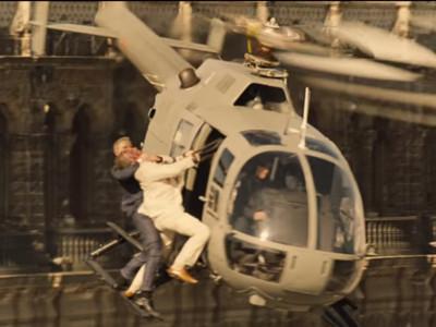《007惡魔四伏》最新預告!龐德在飛行中上演空中勒喉