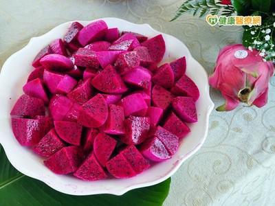台灣紅肉火龍果「肥厚又多汁」 暢銷越南!
