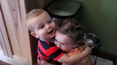 小男孩第1次抱女生超嗨森..最後慘遭打槍Q口Q