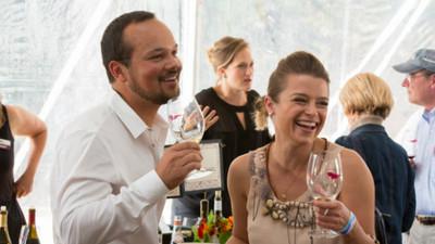 5個理由證明「愛喝酒」的人超好相處