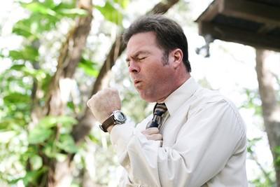 老菸槍肺阻塞不自知 爬山呼吸衰竭險喪命