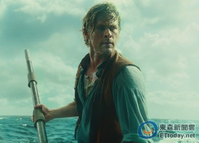 「雷神」克里斯漢斯沃新片改當船員 力抗巨獸抹香鯨