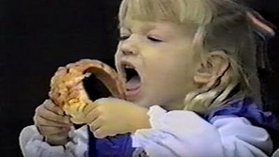 世界上最難放進嘴裡的食物…大概就是這片披薩吧?