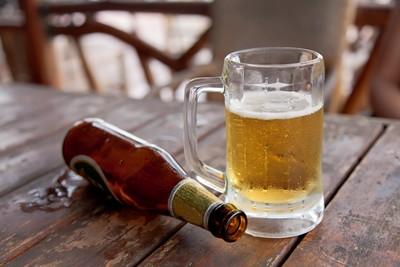 喝啤酒有助排除腎結石? 醫打臉並列出「2大缺點」