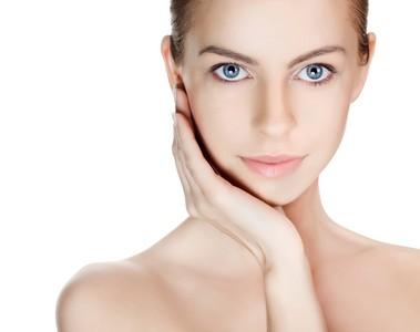 為什麼化了妝斑還在?醫師教你如何正確除斑美白