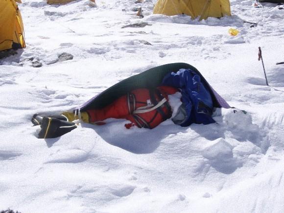 電影《聖母峰》的真實..挑戰失敗者將永遠與山凍存