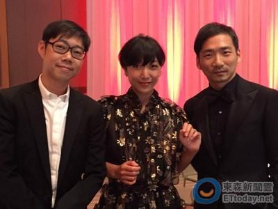 東京影展紅毯太長走不完?石頭被五月天樂迷包圍索簽名