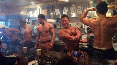猛男賣肉肉燒肉屋,給姐來一份上等的二頭肌啊!