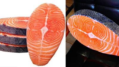 鮭魚切片靠枕,躺著彷彿聞到魚腥味啊!