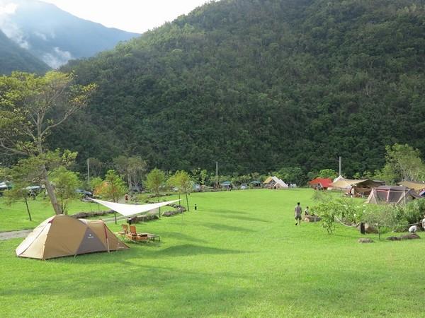 山林裡竟有五星級衛浴!適合新手的全台6大露營地