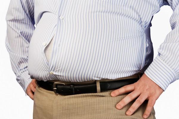 大叔啤酒肚竟然是腫瘤! 醫生取出10公斤巨瘤「大到擠壓器官」 | ETt