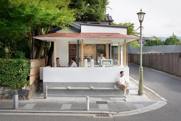 因「拉花太美」被找去科威特開店 嵐山白色小屋咖啡館